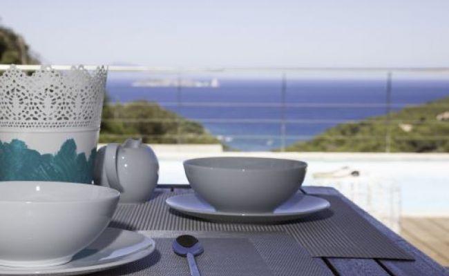 Habitación doble deluxe con terraza y vistas al mar